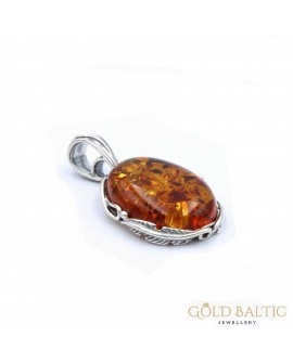 Pendant - a classic oval in a decorative frame